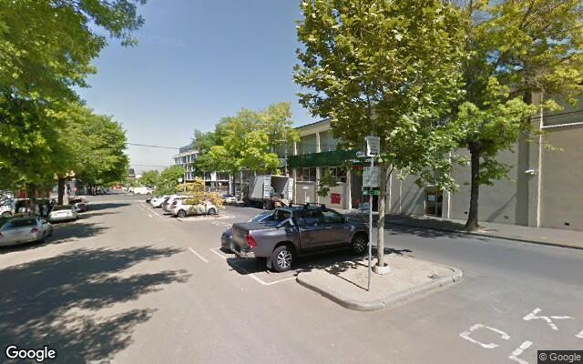 parking on Rosslyn Street in Melbourne
