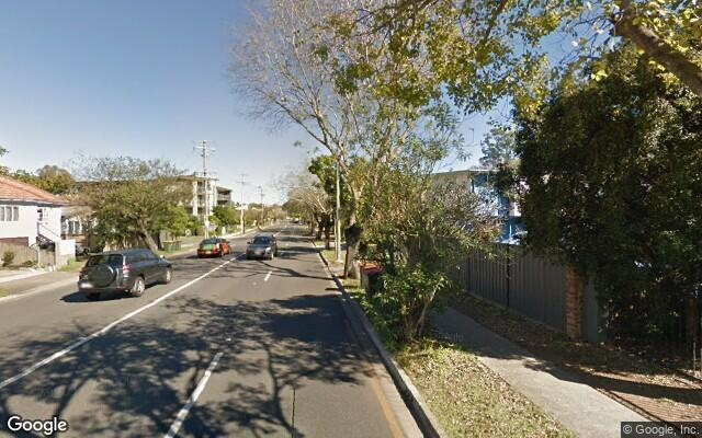 parking on Sir Fred Schonell Dr in St Lucia QLD 4067