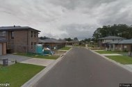 parking on Taradale Dr in Ropes Crossing NSW 2760