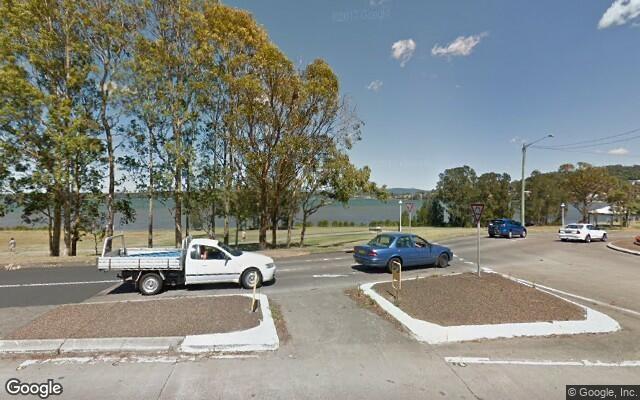 parking on The Esplanade in Warners Bay