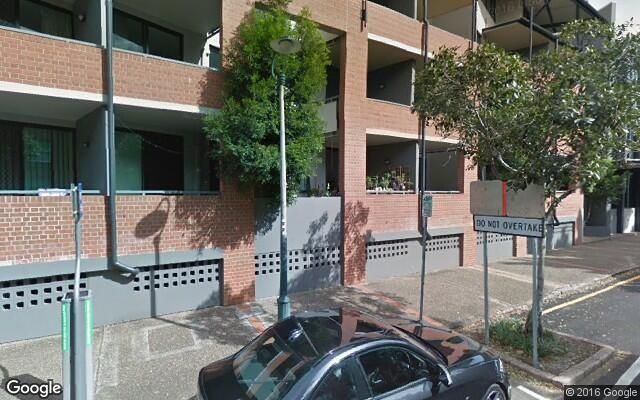 parking on Vernon Terrace in Teneriffe