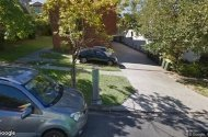 parking on Mcilwraith Street in Auchenflower QLD