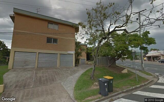 parking on Kelvin Grove Road in Kelvin Grove