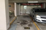 parking on E Cres St in McMahons Point NSW 2060