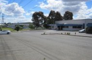 parking on Kalimna Ave in Mulgrave VIC 3170