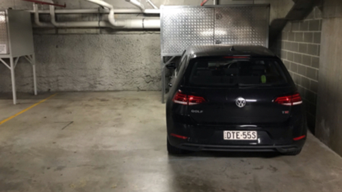 parking on O'Brien St in Bondi Beach