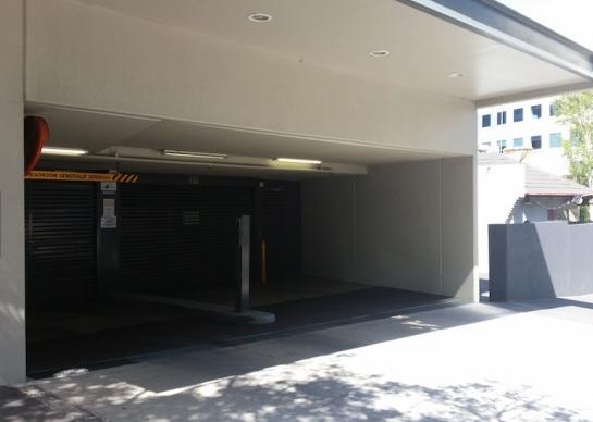 Parking just off St Kilda Road (entrance on Park Street)