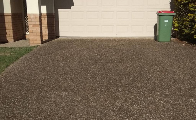 Driveway parking on Alexandrina Drive in Varsity Lakes Queensland