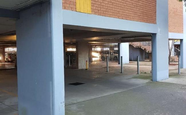 Great parking close to Flemington racecourse