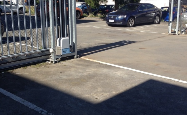 Cheap, Gated, Outdoor Melbourne Airport Parking