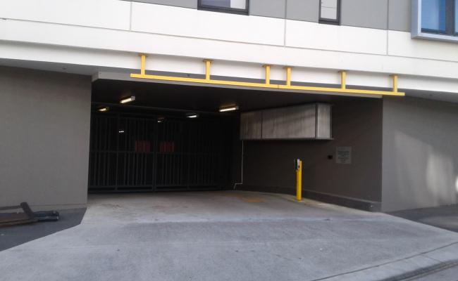 parking on Bindon Pl in Zetland NSW 2017
