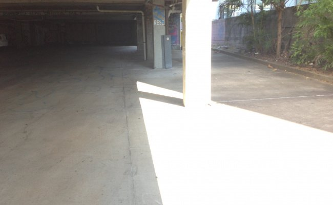 Brisbane - Great Undercover Parking Near St Andrew's War Memorial Hospital #4