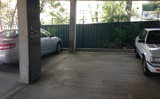 Brisbane - Great Undercover Parking near Hospital #4