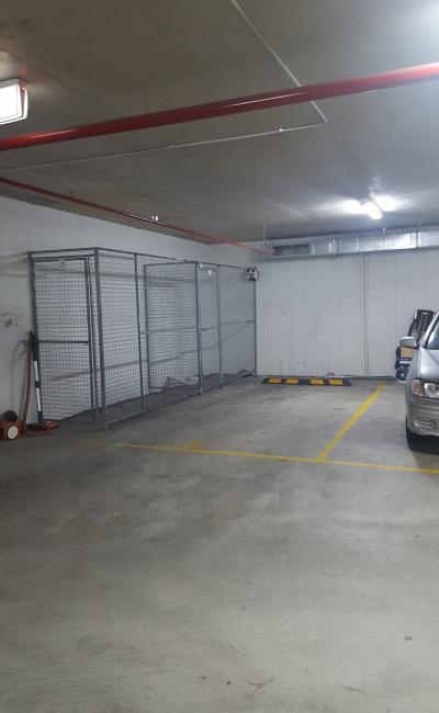 Secure parking 5mins walk to Asquith train station