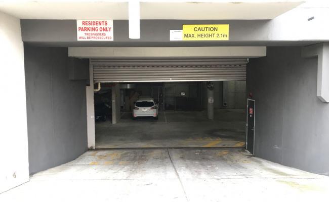 parking on Cardigan St in Carlton VIC 3053