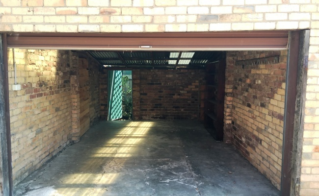 Cheap Private Car Parking/Storage Room for Rent