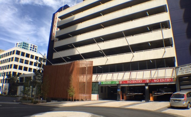 South Yarra Secure Undercover & rooftop parking 24