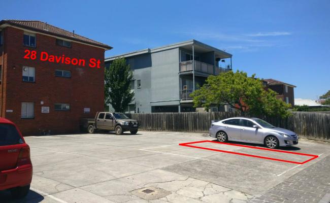 parking on Davison Street in Richmond