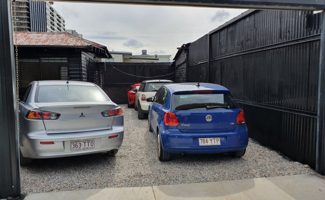 SECURE PARKING SPACE WOOLLOONGABBA -LONG OR SHORT TERM