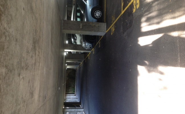 parking on East Crescent Street in McMahons Point