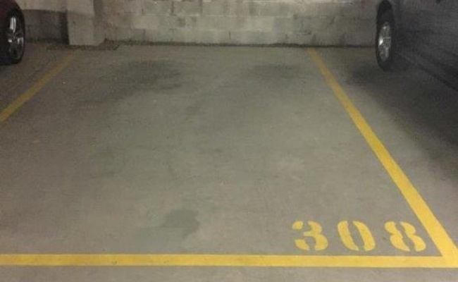 parking on Eden Street in North Sydney NSW
