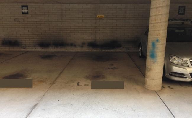 Secure undercover car space Elizabeth Bay/ KingsX