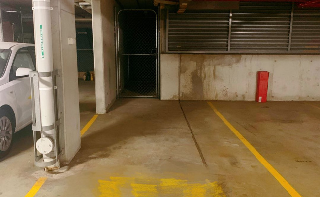 Great parking place in Wentworth Point