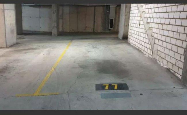 Indoor lot parking on Goulburn St in Darlinghurst