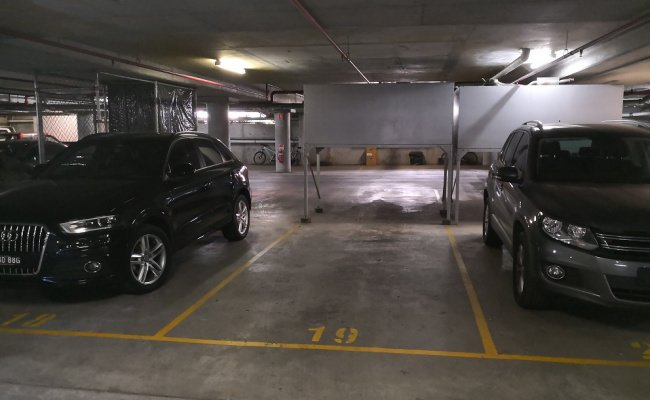parking on Grandstand Parade in Zetland NSW 2017