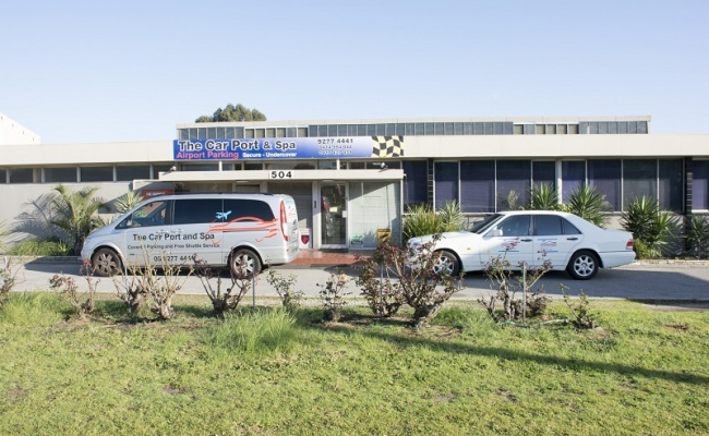 parking on Great Eastern Highway in Ascot