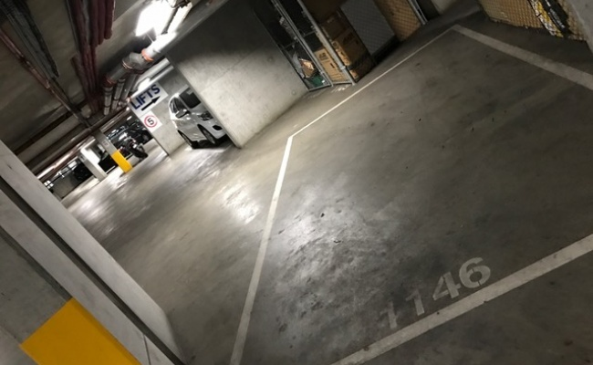 Great Docklands Carspace At 100 Harbour Esplanade