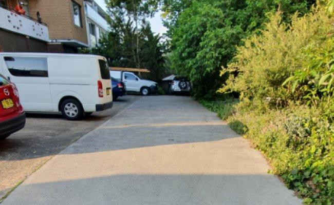 parking on Henderson St in Bondi NSW 2026