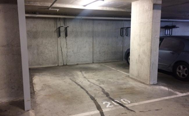 parking on Inkerman Street in Saint Kilda