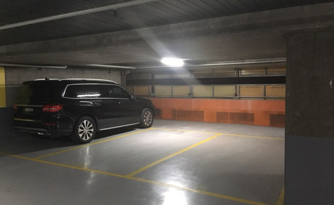 Parking Photo: Jane Bell Lane  Melbourne VIC  Australia, 30470, 97303