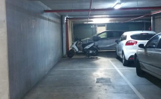 parking on Kavanagh Street in Southbank VIC