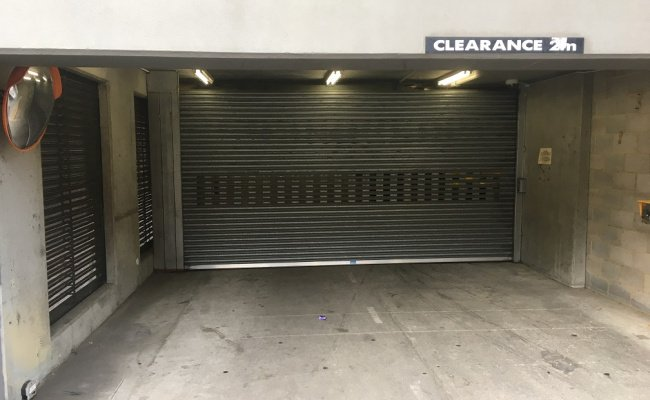Melbourne - Secure Parking near Train Stations