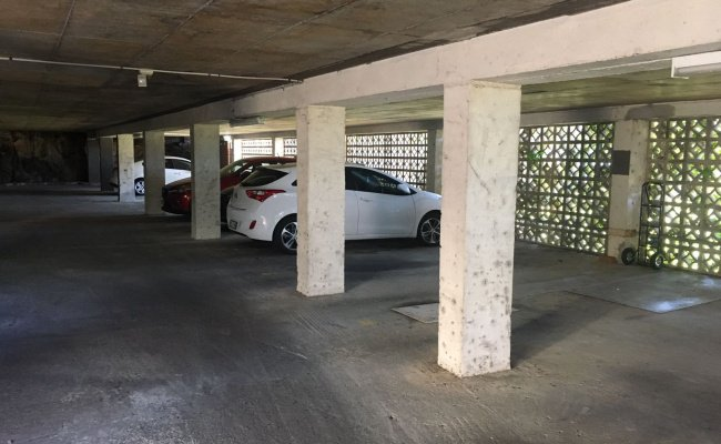 parking on Lower Bent Street in Neutral Bay NSW