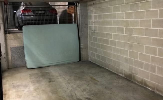 parking on McLaren Street in North Sydney NSW