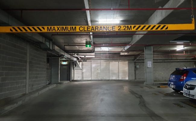 Indoor parking space right next CBD (and close to ANU)