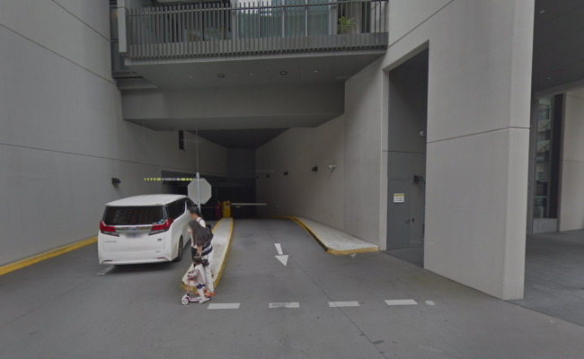 Great parking place near Central Park shopping mall