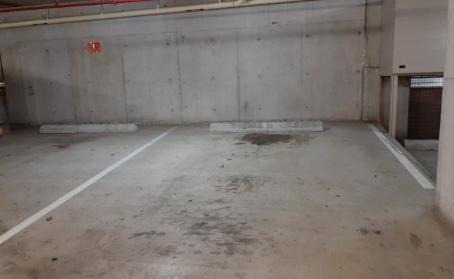 Brisbane City - Secure Reserved Parking Close to Howard Smith Wharves