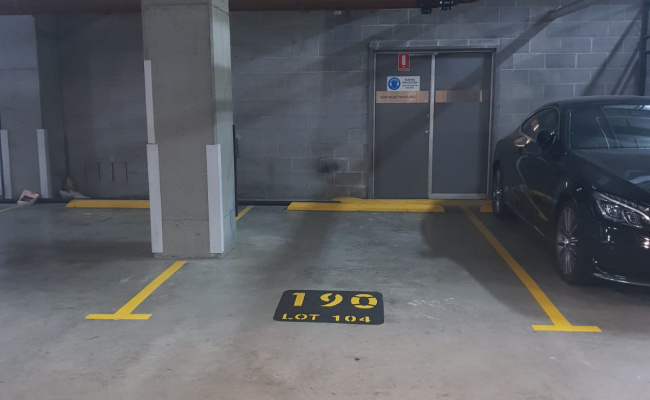 Indoor lot parking on Shelley Street in Sydney