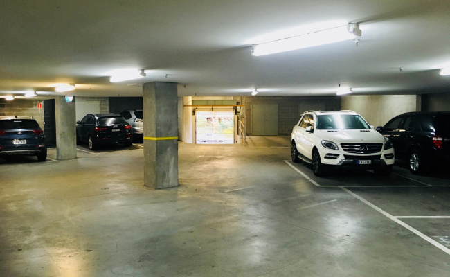 parking on Southgate Avenue in Southbank VIC