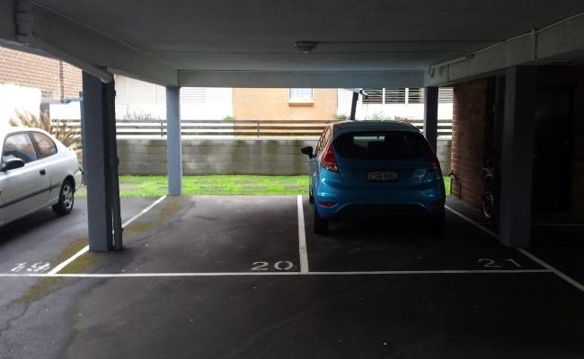 parking on St Johns Rd in Glebe
