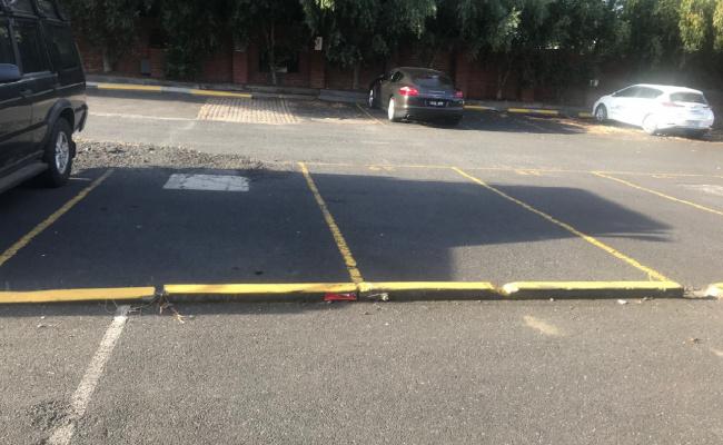 parking on Toorak Road in South Yarra