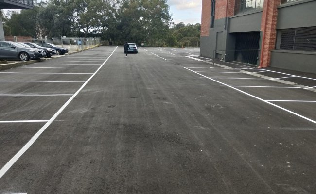 Abbotsford - Large Outdoor Parking near Train Station