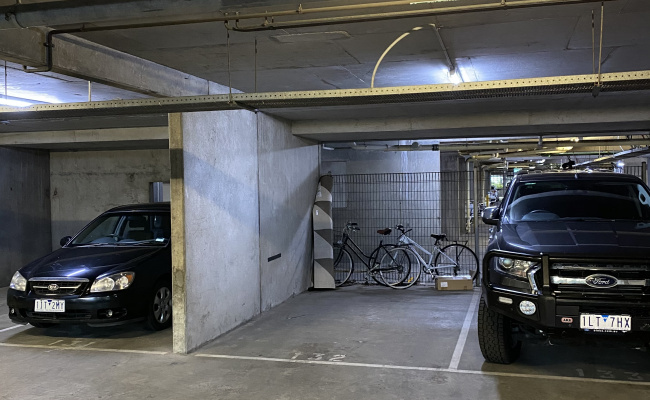 Southbank  - Indoor Parking Close to Shire of Remembrance