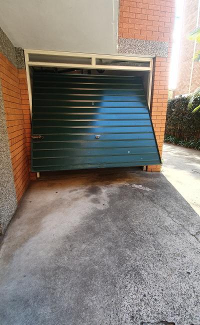 parking on Wentworth Rd in Strathfield