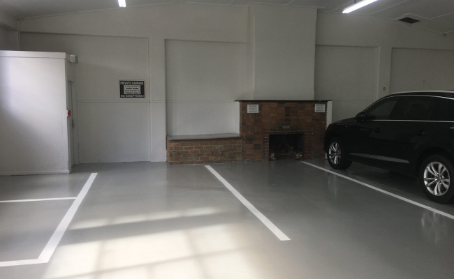 Indoor lot parking on William Street in Melbourne VIC