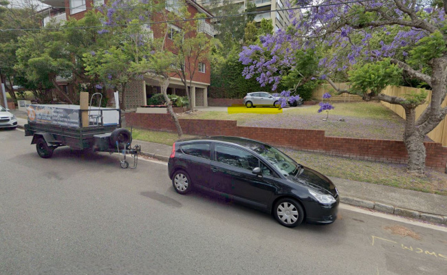 Great parking space, one stop from CBD